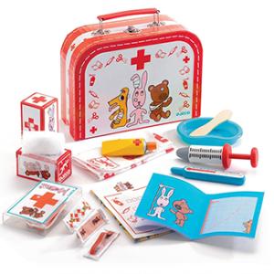 """Βαλιτσάκι """"Ο Μικρός Κτηνίατρος"""", djeco, djeco 06555, μικρός κτηνίατρος, κτηνίατρος, παιχνίδι ρόλων, παιχνίδια ρόλων, παιχνίδια μίμησης, εκπαιδευτικά παιχνίδια, το ξύλινο αλογάκι, θρακομακεδόνες, toxilinoalogaki, δώρα, δώρο, παιδικά παιχνίδια, παιχνίδια, παιχνίδια για κορίτσια, παιχνίδια για αγόρια."""