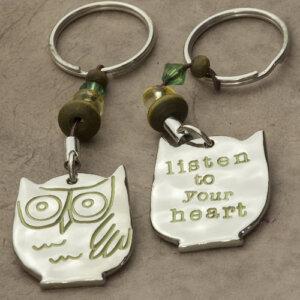 """Μπρελόκ """"Listen To Your Heart"""" Natural Life, μπρελοκ, κλειδια, διακοσμητικα, μπρελοκ για ζευγαρια, μεταλικα, κρεμαστα, brelock, μπρελοκ κλειδιων, μπρελοκ αυτοκινητου, δώρα, κλειδοθηκη, μπρελοκ για κλειδια, εξυπνα, χειροποιητα μπρελοκ, μπρελοκ κλειδιων αυτοκινητου, mprelok, κρικοι για μπρελοκ, δωρα, δωρο πασχα, πρωτοτυπο, δωρο χριστουγεννων, δωρα χριστουγεννων, δωρα γενεθλιων, χριστουγεννιατικα δωρα, πρωτοτυπα δωρα, δωρα για το σπιτι, τι δωρο να παρω στην κολλητη μου, χειροποιητα χριστουγεννιατικα δωρα, δωρα γενεθλιων για φιλη, το καλυτερο δωρο, ιδέεσ για δώρα γενεθλίων, natural life, natural life greece, KC035"""
