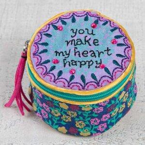"""Μπιζουτιέρα υφασμάτινη Natural Life """"You Make My Heart Happy"""", κοσμηματα, οργανωση κοσμηματων, kosmhmata, δωρο για την μαμα, κοσμηματοθήκη, μπιζουτιερα, διακοσμητικα σπιτιου, κουτι, παιδικα παιχνιδια, κουτια αποθηκευσησ, γυναικεια αξεσουαρ, δωρο χριστουγεννων, χριστουγεννιατικα δωρα, δωρα, πρωτοτυπα δωρα, δωρα γενεθλιων, ιδέεσ για δώρα γενεθλίων, dwra, δωρα για φιλεσ, τι δωρο να παρω, χειροποιητα δωρα, τι δωρο να παρω στην κολλητη μου, natural life, natural life greece, BAG210"""