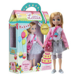 Lottie Κούκλα βινυλίου 'Κορίτσι γενεθλίων' 18εκ., κουκλα, παιχνιδια με μωρα, παιχνιδια για μωρα, κουκλεσ, μωρο, παιχνιδια για κοριτσια με μωρα, mvrakia, κουκλα μου, παιδικα παιχνιδια, εκπαιδευτικα παιχνιδια, lottie, lottie κούκλα, lottie κουκλα, κουκλεσ lottie, lottie 213172
