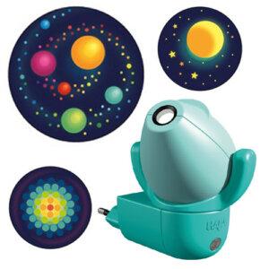 Haba φωτάκι προβολάκι νυκτός 'Διάστημα 2D' 6 σχέδια, haba, haba 302145, haba παιχνιδια, haba παιδικα επιπλα, haba φωτιστικα, haba σχολικες τσαντες, haba φωτακι νυκτος, haba furniture online shop, haba toys, φωτιστικα, παιδικα φωτιστικα, φωτιστικα παιδικα, παιδικο δωματιο, φωτιστικα τοιχου, fotistika, φωτιστικό νυκτός, φωτιστικά νυκτός, φωτιστικά νύχτας, φωτάκι νύχτας, φωτιστικα υπνοδωματιου, φωτιστικα δωματιου, paidiko dvmatio, φωτιστικα για παιδικο δωματιο, fvtistika, fwtistika