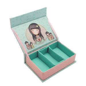 """Μπιζουτιέρα Santoro gorjuss """"Seven sisters"""" 663GJ01, κοσμηματα, οργανωση κοσμηματων, kosmhmata, δωρο για την μαμα, κοσμηματοθήκη, μπιζουτιερα, διακοσμητικα σπιτιου, κουτι, παιδικα παιχνιδια, κουτια αποθηκευσησ, γυναικεια αξεσουαρ, δωρο χριστουγεννων, χριστουγεννιατικα δωρα, δωρα, πρωτοτυπα δωρα, δωρα γενεθλιων, ιδέεσ για δώρα γενεθλίων, dwra, δωρα για φιλεσ, τι δωρο να παρω, χειροποιητα δωρα, τι δωρο να παρω στην κολλητη μου, κοσμηματοθήκη, κοσμηματοθήκες, κοσμηματοθηκες, santoro, santoro gorjuss τσαντες, santoro gorjuss bags, santoro gorjuss κασετινες, gorjuss story, santoro gorjuss πορτοφολια, gorjuss santoro ελλαδα, santoro πορτοφολια, santoro κασετινες, santoro gorjuss bags, santoro london, 663GJ01"""
