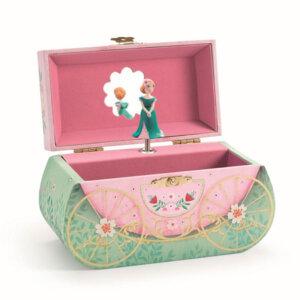 Djeco Μουσική μπιζουτιέρα 'Άμαξα Πριγκίπισσας', μουσικό κουτί, μουσικά κουτιά, μπιζουτιέρα, μπιζουτιέρες, ρομαντική μπιζουτιέρα, ρομαντικές μπιζουτιέρες, ροζ μπιζουτιέρες, μπαλαρίνα, παιδικές μπιζουτιέρες, δώρα, δώρο, παιδικά παιχνίδια, παιχνίδια, παιχνίδια για κορίτσια, djeco, djeco παιχνίδια, djeco παζλ, djeco online shop, παιχνίδια djeco αθήνα, djeco θεσσαλονικη, djeco 06604