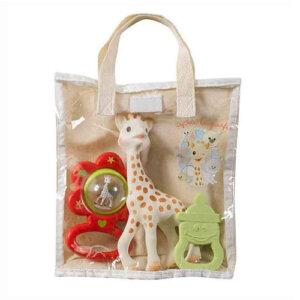 Sophie la girafe Σετ Δώρου με Τσαντούλα, κουδουνίστρα, κουδουνίστρες, koudounistra, koudounistres, αξεσουαρ καροτσιου, παιχνιδια φροντιδα, παιχνιδια με μωρα φροντιδα, βρεφικα παιχνιδια, μασητικά, μασητικα, οδοντοφυία, παιχνιδια οδοντοφυιας, βρεφικα, παιδικα αξεσουαρ, pexnidia, παιχνιδια, βρεφικά, βρεφικα, παιχνίδι, paidika paixnidia, παιδικά παιχνίδια, παιχνίδια παιδικά, βρεφικά παιχνίδια, sophie la girafe greece, σοφη η καμηλοπαρδαλη, σοφη η καμηλοπαρδαλη καταστηματα, sophie the giraffe, σοφη καμηλοπαρδαλη μασητικο, σοφη η καμηλοπαρδαλη θεσσαλονικη, σοφη η καμηλοπαρδαλη αποστειρωση, σοφη η καμηλοπαρδαλη τσαντα, βρεφικά είδη, βρεφικα ειδη θεσσαλονικη, ειδη μπεμπε θεσσαλονικη, ειδη μπεμπε στοκ, βρεφικα ειδη, δωρα για νεογεννητα, δωρο για νεογεννητο βαφτιστηρι, δωρο για νεογεννητο ανηψακι, τι δωρο πανε στο μαιευτηριο, πρωτοτυπα δωρα για μωρα 1 ετους, σετ δωρου για νεογεννητα, σετ μαιευτηριου, βρεφικα σετ, βρεφικα σετ δωρου, βρεφικα σετακια, βρεφικα σετ για κοριτσια, βρεφικα σετ για αγορια, Sophie la Girafe S516343