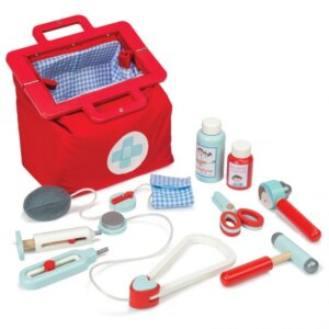 Le Toy Van ιατρικο βαλιτσακι, Doctor's set, paixnidi gia agoria, paixnidi gia koritsia, παιχνιδια για αγορια, παιχνιδια για κοριτσια, ξυλινα παιχνιδια, ξυλινα παιχνιδια για μικρα παιδια απο την εταιρεια Le Toy Van,