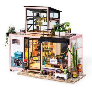 Kevin's studio - Robotime - DG13